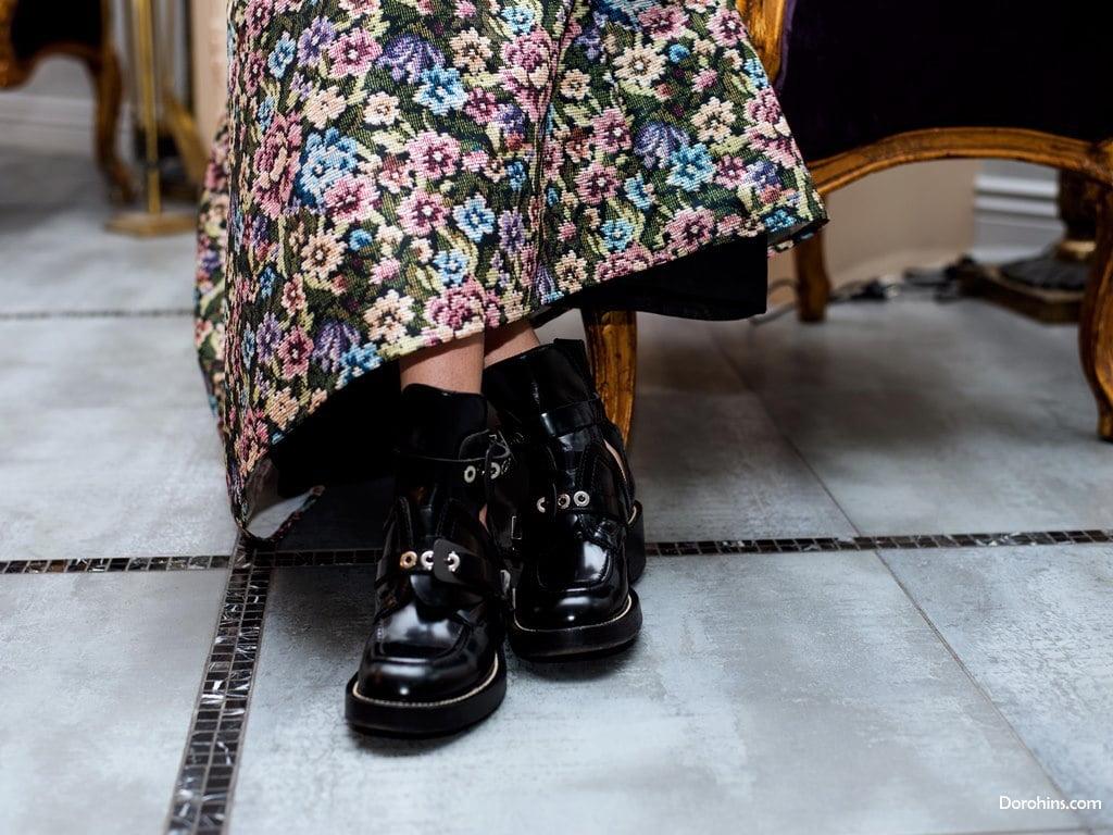грубая женская черная обувь
