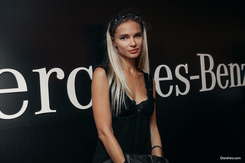 Isa Luxaddicted_Mercedes-Benz Fashion Week Russia_гости 3 день_Яся Миночкина, гости показа Миночкина_показ