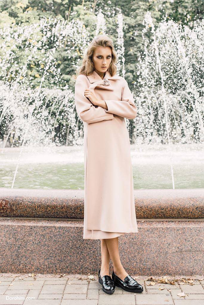 Платье пальто Olga Samochenko_брошь Mila Ignatik_Diana Malinovskaya_Style Yulia Ivanova_MUA Kate Euphoria_Model Kate Panko_тамара модельное агенство (3)