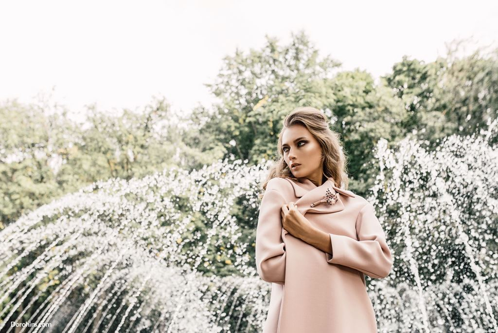 Платье пальто Olga Samochenko_брошь Mila Ignatik_Diana Malinovskaya_Style Yulia Ivanova_MUA Kate Euphoria_Model Kate Panko_тамара модельное агенство (4)