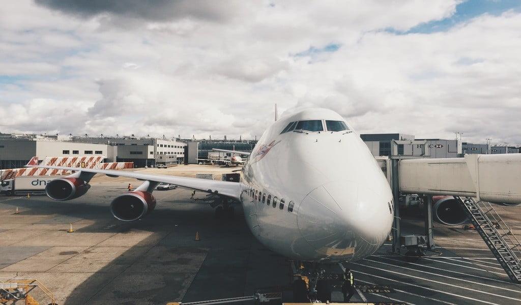 работа на борту_самолет_профессия инженера самолета_интерьер самолета