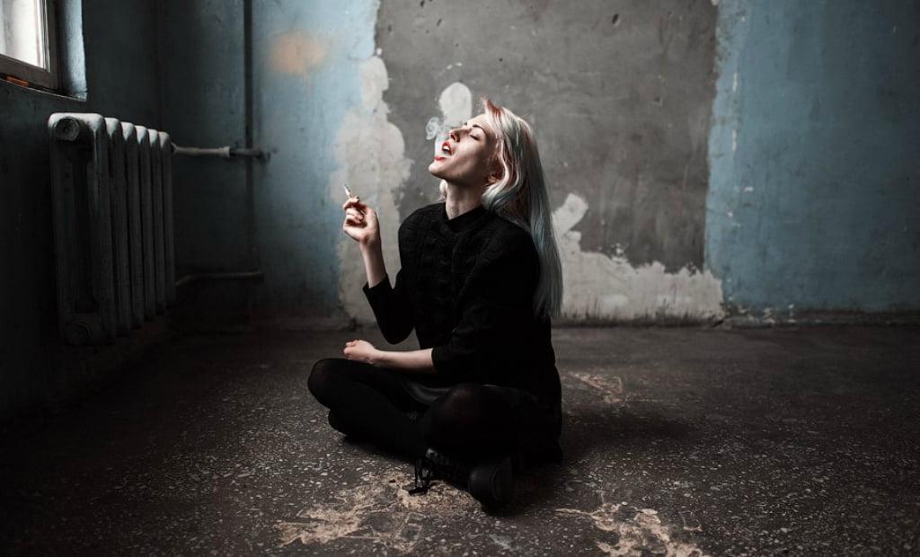 Курящие девушки на работе модели екатеринбург работа