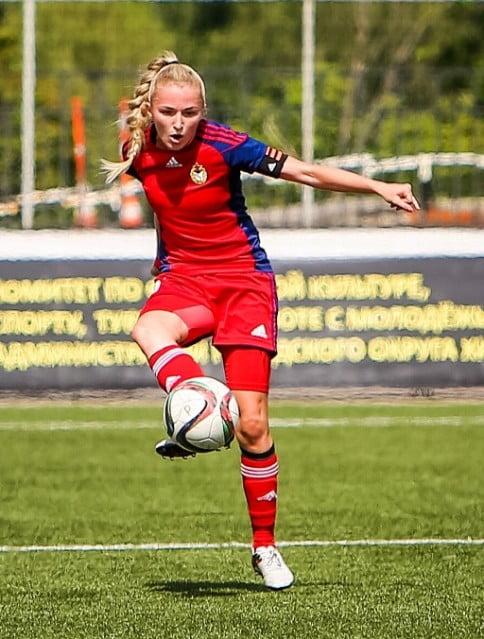 женский футбол в России_звезды женского футбола_женский тренер по футболу